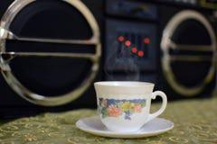 Café caliente y música Fotos de archivo libres de regalías
