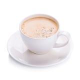 Café chaud d'americano en verre blanc sur le fond blanc Image stock
