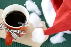 Café chaud dans la tasse rouge Image libre de droits