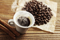 Café chaud de fumage Photographie stock libre de droits