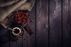 Café, chocolat et cerise photos stock