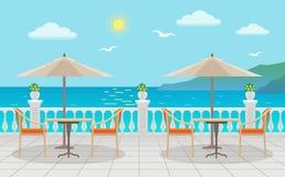 Café com as tabelas sob guarda-chuvas com opiniões do mar na rua Ilustração do Vetor
