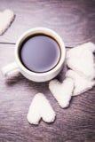 Café com cookies brancas Fotografia de Stock Royalty Free