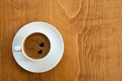 Café com um par de corações Fotos de Stock Royalty Free