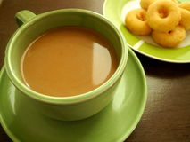 Café con bocados por última mañana fotos de archivo libres de regalías