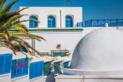 Café con hermosa vista en el puerto de Sidi Bou Said Foto de archivo libre de regalías