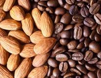Café con las almendras Imagen de archivo libre de regalías