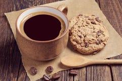 Café con las galletas del chocolate Fotografía de archivo