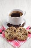 Café con las galletas del chocolate Imagen de archivo