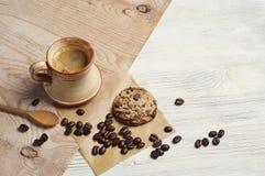 Café con las galletas del chocolate Fotos de archivo libres de regalías