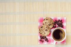 Café con las galletas del chocolate Fotos de archivo