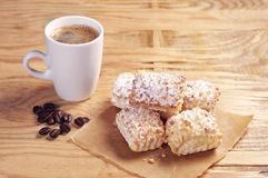 Café con las galletas del soplo Imagen de archivo
