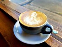 Café con leche plano imagenes de archivo