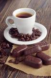 Café con los chocolates Fotografía de archivo libre de regalías