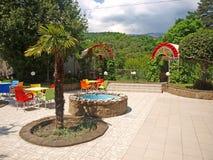 Café d'été à Yalta, Crimée, Ukraine Images stock
