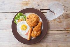 Café da manhã americano na manhã na tabela de madeira Fotografia de Stock Royalty Free