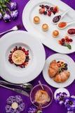 Café da manhã bonito da manhã da cor roxa Imagens de Stock Royalty Free