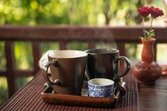 Café da manhã claro com chá fora Fotografia de Stock Royalty Free