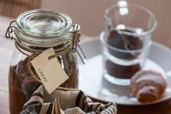 Café da manhã com coffe e croissant Fotos de Stock Royalty Free