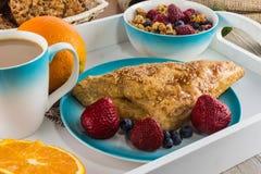 Café da manhã com muesli e frutos Fotos de Stock Royalty Free