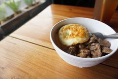 Café da manhã com ovo e carne Foto de Stock Royalty Free