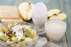 Café da manhã da aptidão com muesli Imagem de Stock Royalty Free