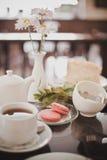 Café da manhã de Rench com macarons Foto de Stock Royalty Free