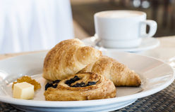 Café da manhã delicioso do hotel Imagens de Stock Royalty Free