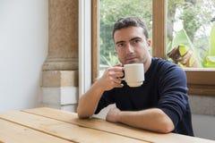 Café da manhã do homem do retrato Imagens de Stock
