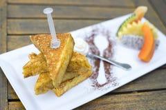 Café da manhã na placa branca, Imagens de Stock Royalty Free