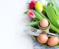 Café da manhã da Páscoa, chá alto, ajuste da tabela para um jantar festivo fotografia de stock