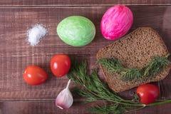 Café da manhã da Páscoa com ovo e erva-doce Café da manhã generoso foto de stock royalty free