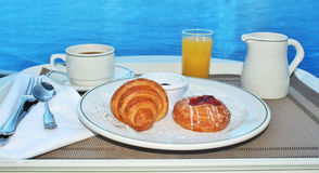 Café da manhã pelo serviço de sala Fotos de Stock