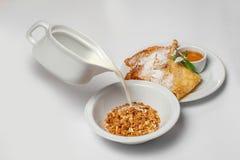 Café da manhã saudável com muesli Foto do estúdio Fotos de Stock Royalty Free