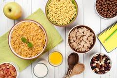 Café da manhã saudável na tabela de madeira branca Imagem de Stock Royalty Free