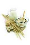 Café da manhã saudável - ordenhe com muesli, mel e ovos - saúde e dieta imagens de stock