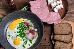 Café da manhã tradicional dos ricos do café da manhã do Scottish com ovos fritos, imagem de stock