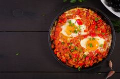 Caf? da manh? turco - shakshuka Fried Eggs brunch imagens de stock royalty free