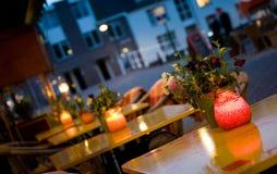 Café da rua em Delft, Holland foto de stock