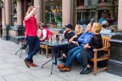 Café da rua em Notting Hill, Londres, Reino Unido Imagens de Stock Royalty Free