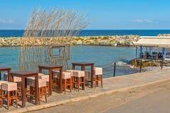 Café da rua na frente marítima Imagem de Stock Royalty Free