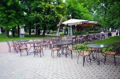 Café dans l'ermitage de stationnement, Moscou, Russie photographie stock libre de droits