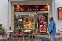 Café dans la vieille ville de Cracovie, Pologne Photo stock