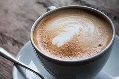 Café de Art Latte por la mañana Fotos de archivo