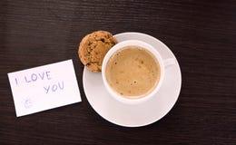 Café de cappuccino avec amour Images libres de droits