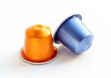 Café de capsule sur un fond blanc d'isolement Image libre de droits