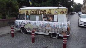 Café de Chernivtsi nas rodas imagem de stock