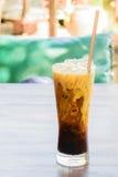 Café de gelo no de madeira Imagens de Stock