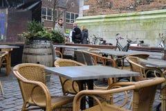 Café de la calle en el centro histórico de Utrecht, los Países Bajos Imagen de archivo