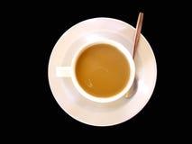 Café de la leche aislado en negro Foto de archivo